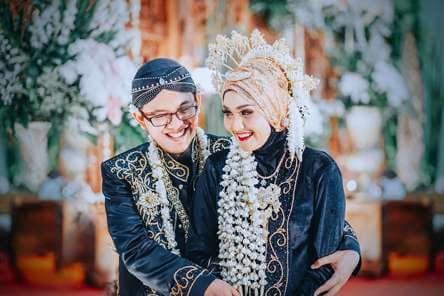 Rias Pengantin Jawa Hijab